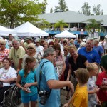 Crowd at 1st annual Edible Mullosk Festival