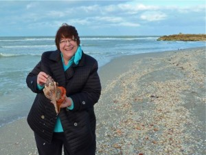 Christine with live horse conch