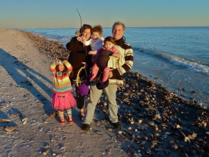 Shelling family on Sanibel