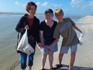tonya, beth, max sanibel seashells