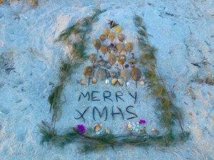 Merry Xmas beach art