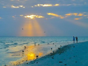 sanibel beach morning sun rays