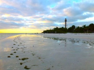 cloudy morning sanibel lighthouse