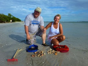 dan tina shelling sanibel lighthouse