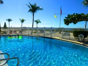 Island Inn Sanibel beach pool