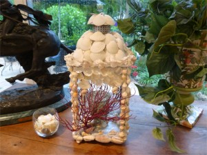 decorate seashell lantern
