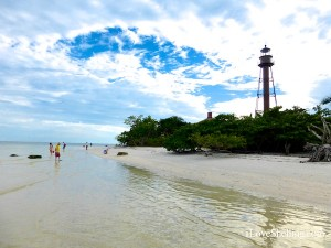 sanibel lighthouse with shellers