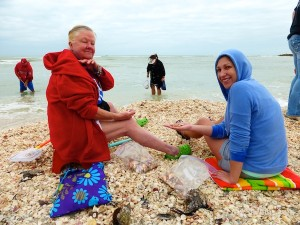 kelly francés from texas visit sanibel florida for seashells