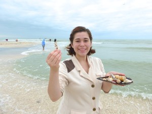 roya from maryland visits sanibel for shelling