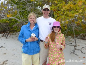 Ann Doug Patricia from Minnesota visit Sanibel for seashells