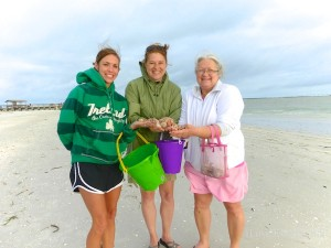 jana andrea ruth ann from tennessee visits sanibel florida for shells