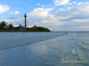 sanibel lighthouse at dawn