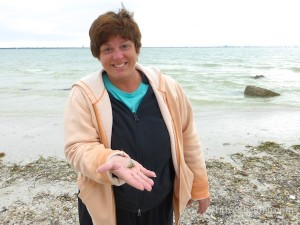 susan from wisconson found an american star shell sanibel