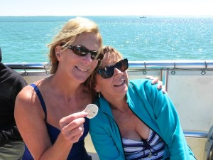 shellers with a sand dollar