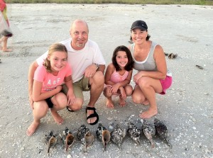 Gary Jane Anna Claire and Ella from Arkansas find 8 horse conchs