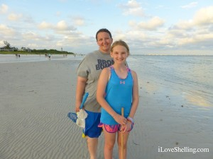 Paige and Nikkie from Kentucky visit Sanibel collecting seashells