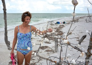 Nancy from Ohio makes a wish on the seashell tree