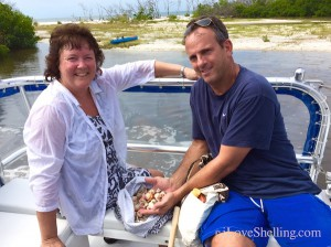 Shelly and Mitch find shells on i Love Shelling cruise