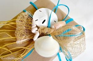 Using seashells for gift tags