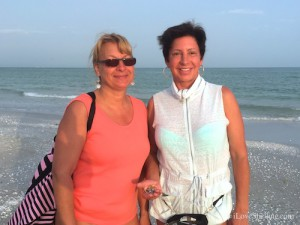 Cathy Holly from Indiana visit sanibel for shells